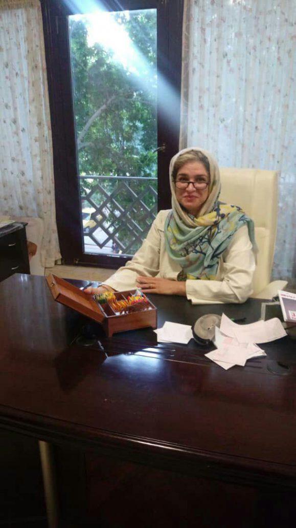 اهدای پک نفیس کامور به پزشکان اصفهان