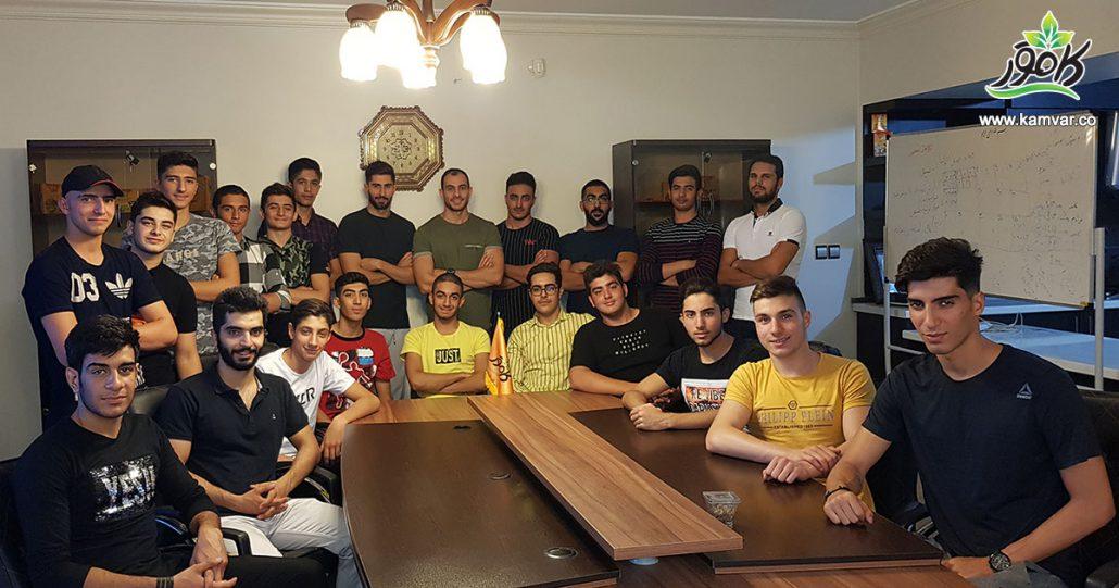 جلسه آنالیز بدنی تیم واترپلوی جوانان اصفهان در دفتر شرکت کامور